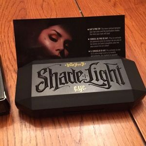 Kat Von D Shade + Light Contour Quad